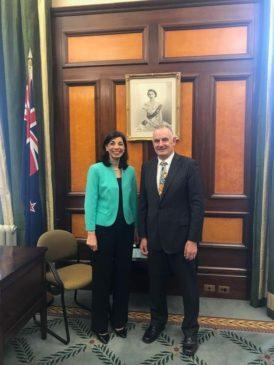 سفيرة مصر لدى نيوزيلندا تلتقي مع رئيس البرلمان النيوزيلندي التقت السفيرة دينا الصيحي سفيرة مصر لدى 15501