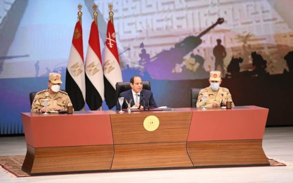 الرئيس عبد الفتاح السيسي يلتقي بقادة وضباط وضباط صف وجنود القوات المسلحة عقب انتهاء فعاليات الندوة 62628