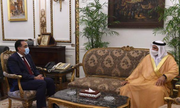 رئيس الوزراء يلتقي سفير دولة الإمارات العربية المتحدة لدى مصر 69397