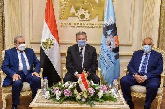 *اتفاق وزيرا قطاع الأعمال والإنتاج الحربي ورئيس العربية للتصنيع على دراسة الجدوى النهائية لإنشاء مصنع 71286