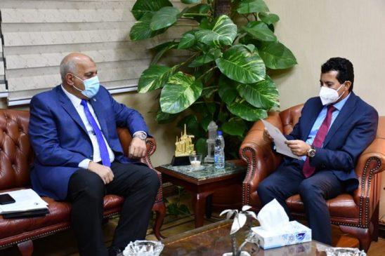 رئيس الاتحاد الدولي للرماية يوجه الشكر للحكومة المصرية علي نجاح استضافة بطولة العالم تلقي الدكتور أشرف 83849
