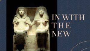 تمثال من الحجر الجيري عبارة عن زوجين جالسين يرتديان ملابس راقية وشعر مستعار تم نحت تفاصيله المعقدة بجدارة