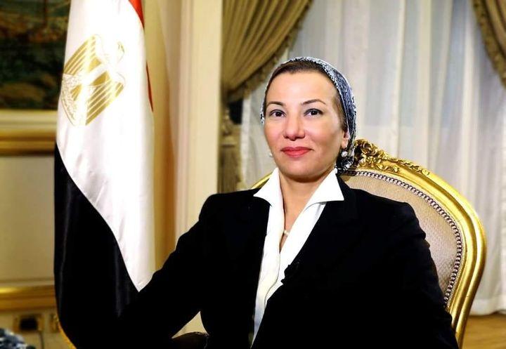 تنفيذاً لتكليفات السيد رئيس الجمهورية لتحسين جودة الهواء فى مصر: وزيرة البيئة: موافقة لجنة الطاقة والبيئة 44007