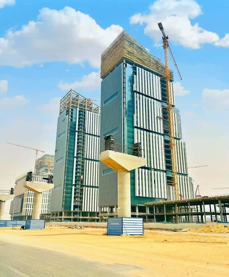 مونوريل القاهرة - العاشر من رمضان - العاصمة الإدارية الجديدة، بين التصميم والتنفيذ EyaHvU5WgAE9UBD