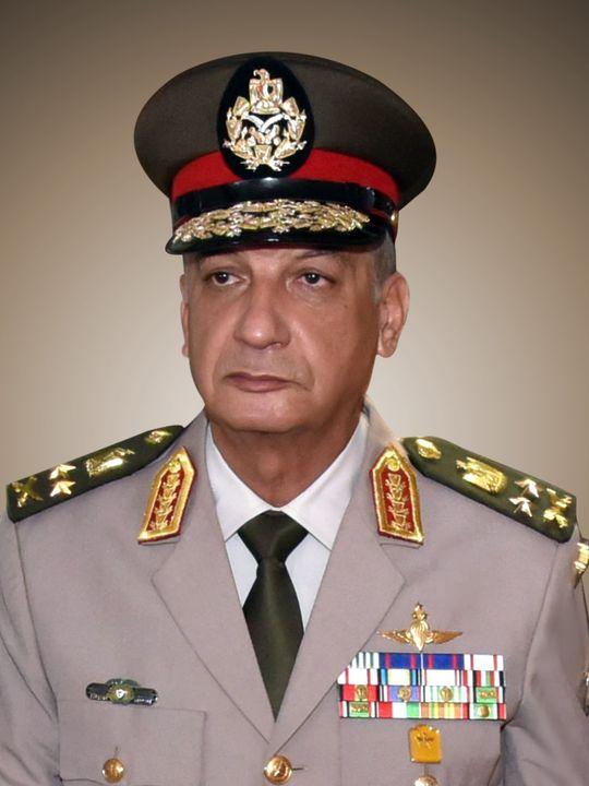 القائد العام للقوات المسلحة وزير الدفاع والإنتاج الحربى يغادر إلى المملكة الأردنية الهاشمية لحضور الإحتفال 46378