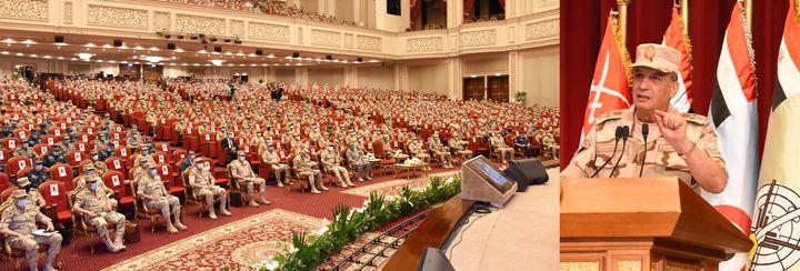الفريق أول / محمد زكى القائد العام للقوات المسلحة وزير الدفاع والإنتاج الحربى يلتقى عدداً من الضباط المعينين 93970