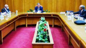 بيان صادر عن وزارة قطاع الأعمال العام:  خلال اجتماعه بقيادات شركات القطن والغزل والنسيج