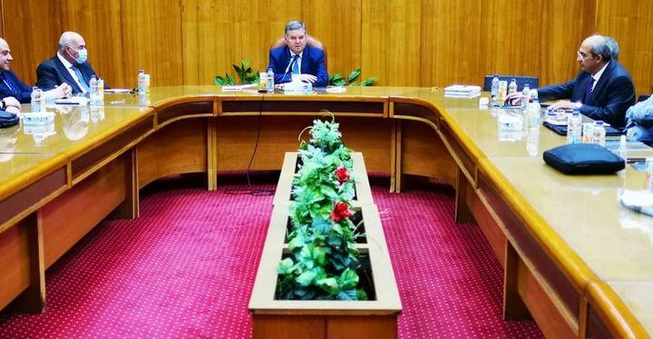 بيان صادر عن وزارة قطاع الأعمال العام: خلال اجتماعه بقيادات شركات القطن والغزل والنسيج 97702