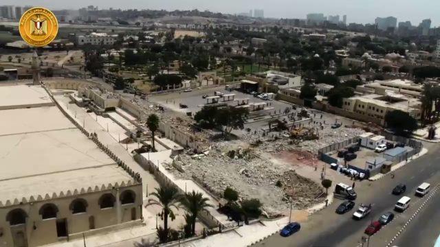 تفقد الدكتور مصطفى مدبولي، رئيس مجلس الوزراء، اليوم الأحد، موقع تطوير ساحة مسجد عمرو بن العاص، ضمن مخطط R80GeBAoOXGVsIIn