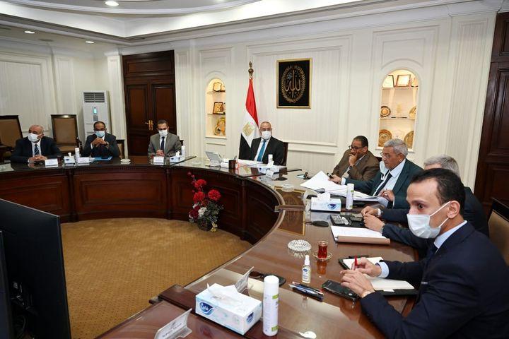  وزير الإسكان يتابع الموقف التنفيذى لمشروعات المبادرة الرئاسية حياة كريمة لتطوير الريف المصرى الجزار 64711