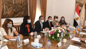 - وزيرا السياحة والآثار والثقافة يبحثان وضع استراتيجية للترويج السياحي والثقافي لمصر محلياً وعالمياً طبقاً