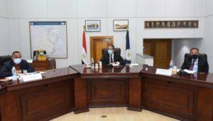 ترأس الدكتور خالد العناني وزير السياحة والآثار، الجلسة الاستثنائية لمجلس إدارة المجلس الأعلى للآثار، وذلك